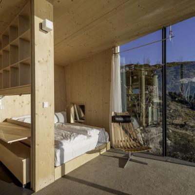Interiérový dřevěný obklad deskami